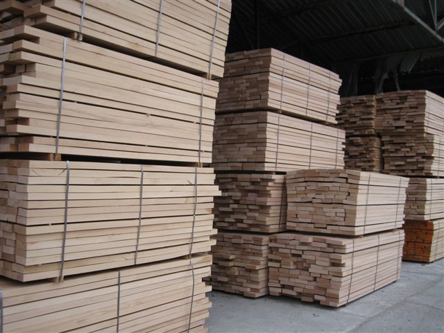 Beech_wood_lumber
